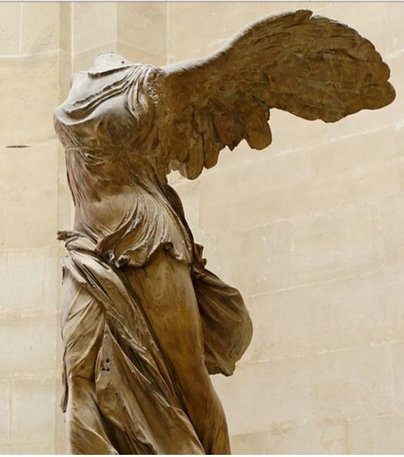Voici une statue merveilleuse de 190 av. J.-C. Elle est encore fabuleuse.