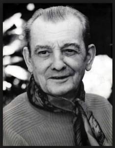 Marcel Pagnol. Écrivain Français du XXème siècle. Il a beaucoup écrit sur la vie dans les villages du Sud de la France au début du siècle. Très bons livres. C'est sur un de ses livres que le film a été inspiré.
