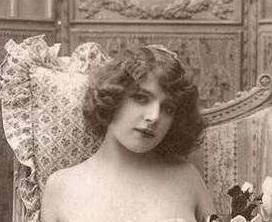 La belle  Fernande était modèle, mais après avoir connu Picasso il était absolument interdit de poser pour d'autres artistes. Elle n'avait même pas le droit de faire des courses.
